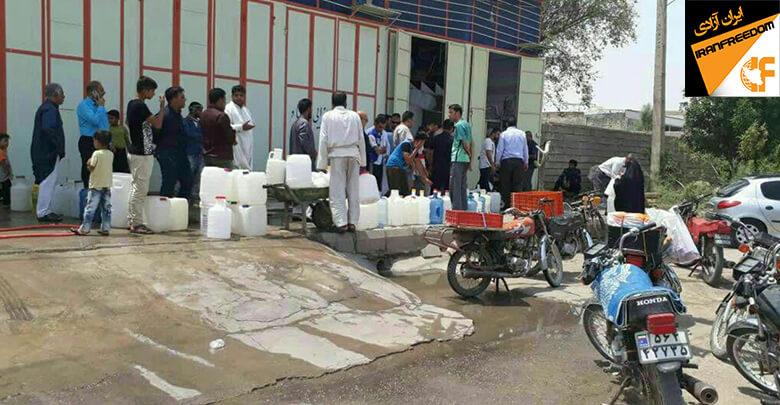 بحران آب آشامیدنی و صف آب بعد از آبادان و خرمشهر به سوسنگرد هم رسید.
