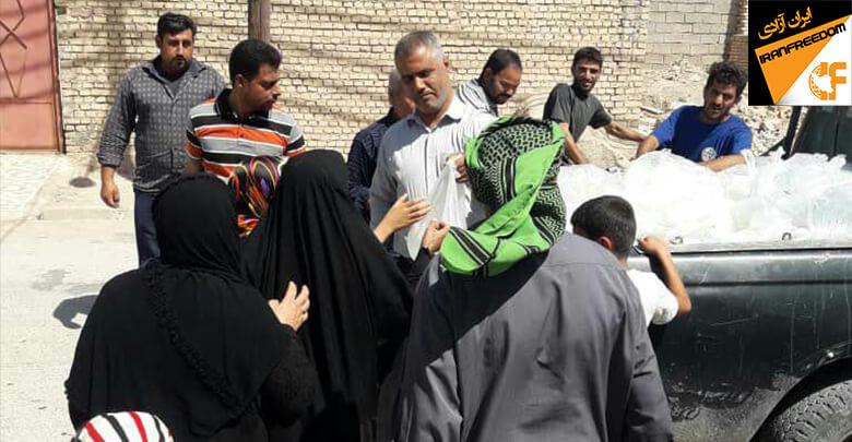 مردم خرمشهر در اعتراض به نداشتن آب آشامیدنی در مقابل مسجد جامع تظاهرات کردند