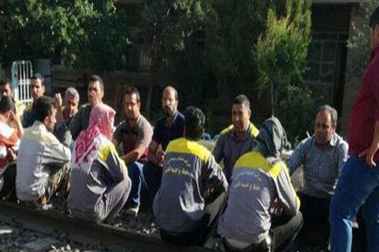 اعتصاب کارگران گسترش آهن راه حوزه آذربایجان دومین هفته خود را پشت سر گذاشت