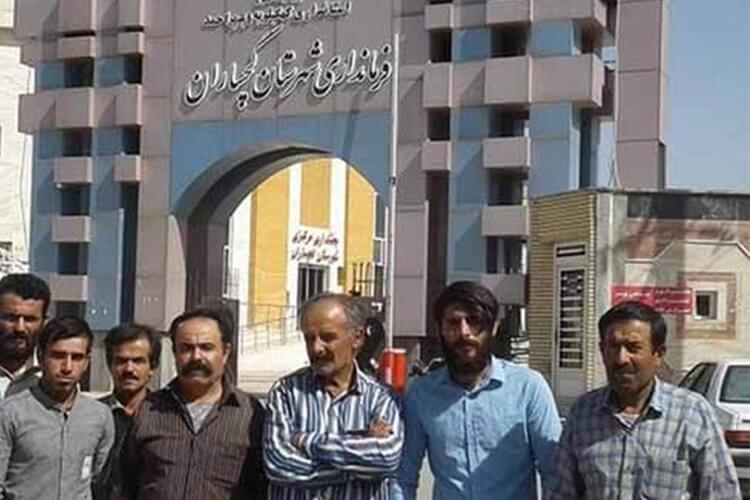 کارگران سازه بتونی شرکت پتروشیمی گچساران دست به تجمع زدند