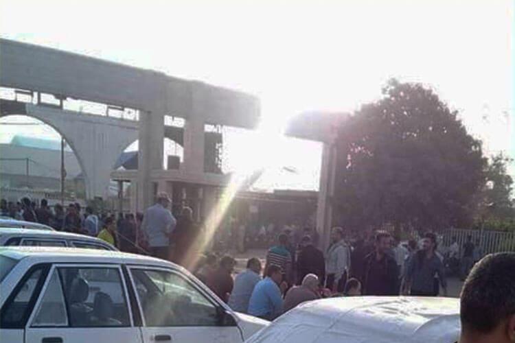 کارگران نیبر نیشکر هفت تپه دست به تجمع اعتراضی زدند