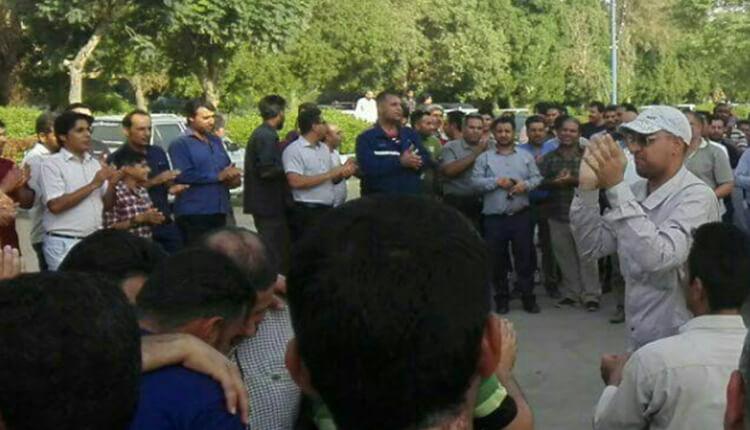اعتصاب و راهپیمایی کارگران گروه ملی فولاد اهواز مقابل استانداری