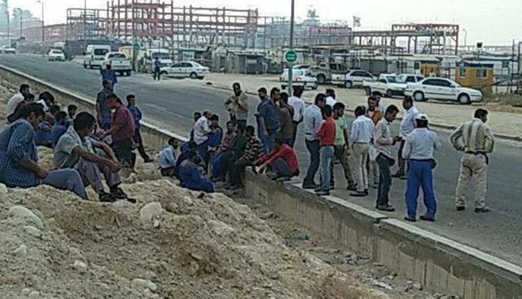 کارگران شرکت سینا گستر کنگان دست به اعتصاب زدند