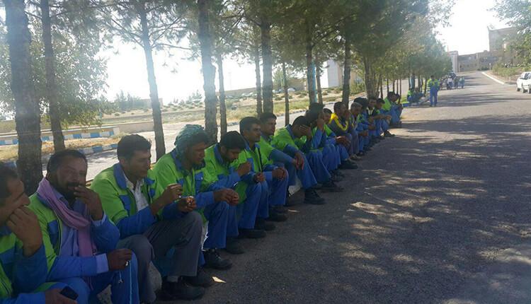 کارگران و کارکنان شرکت تراورس ایستگاه راهآهن سرخس دست به اعتصاب زدند