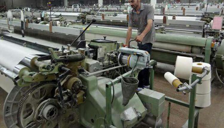 کارگران سهامدار کارخانه ایران پوپلین رشت خواهان شفافسازی سود سهام کارخانه شدند