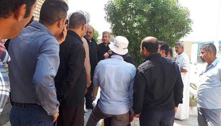 کارگران شهرداری دارخوین دست به اعتصاب زدند