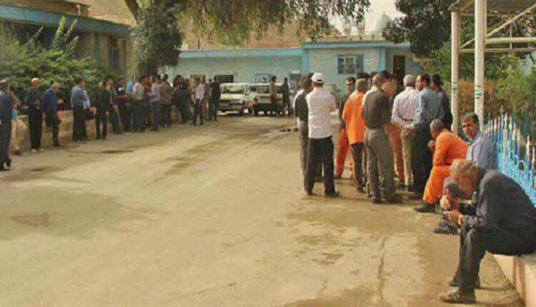 ادامه اعتصاب کارکنان شهرداری مسجد سلیمان در اعتراض به عدم پرداخت مطالباتشان