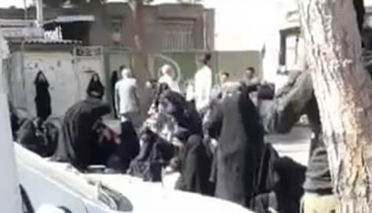 اعتصاب فرهنگیان در بجنورد در اعتراض به پایین بودن حقوق به رغم خدمت در مناطق مرزی