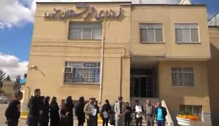 تجمع اعتراضی دانشجویان مامایی و پرستاری دانشگاه آزاد بجنورد در اعتراض به اخراجشان