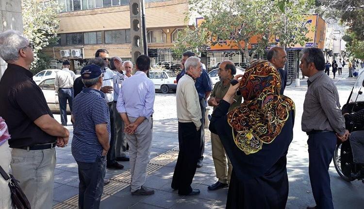 تجمع اعتراضی مالباختگان کاسپین در مشهد