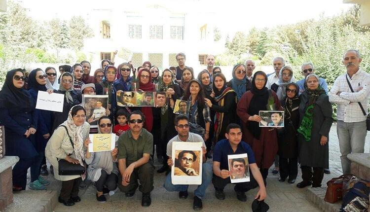 تجمع فرهنگیان تهران و کازرون به مناسبت روز جهانی معلم و درخواست آزادی معلمان زندانی