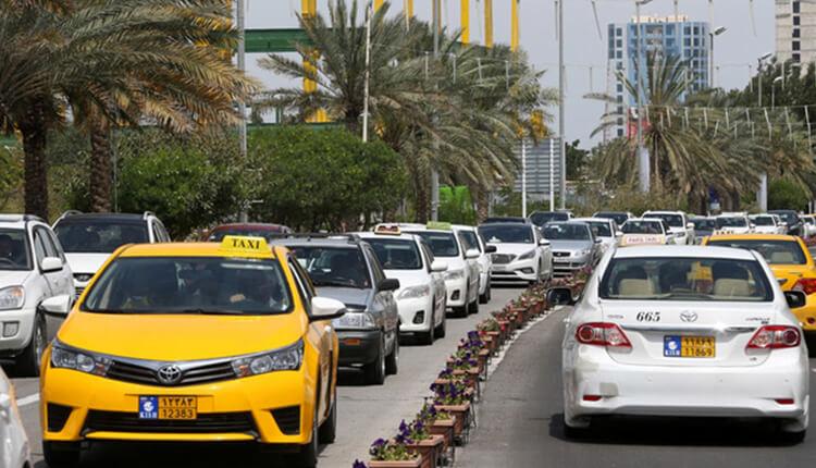 تجمع اعتراضی صاحبان تاکسی زرد در جزیره کیش در اعتراض به ممنوعیت کارکردن در کیش