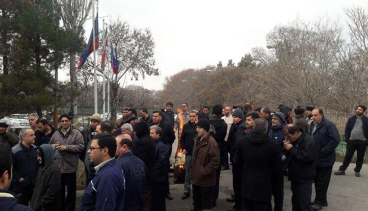 تجمع اعتراضی کارگران بلبرینگسازی تبریز در اعتراض به معوقات مزدی ۴ ماهه