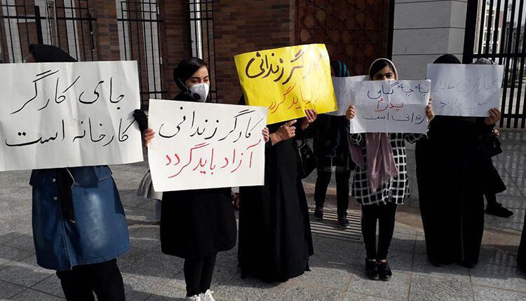 سومین روز تجمع خانواده کارگران زندانی گروه ملی فولاد اهواز در مقابل استانداری