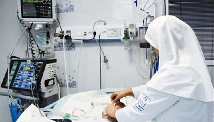 تجمع اعتراضی پرستاران بیمارستان بهشتی کاشان در اعتراض به عدم پرداخت معوقات حقوقی