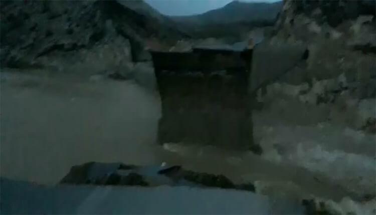 آخرین وضعیت سیل در استان لرستان سقوط پل الشتر به خرم آباد