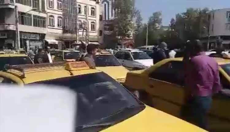 اعتصاب رانندگان تاکسی خوی در اعتراض به پایین بودن نرخ کرایه ها