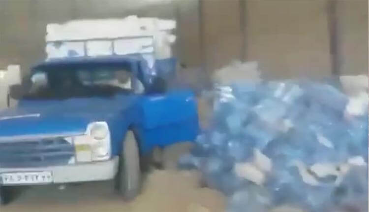 سرقت کمکهای ارسالی مردمی برای سیل زدگان توسط هلال احمر رژیم در شوش
