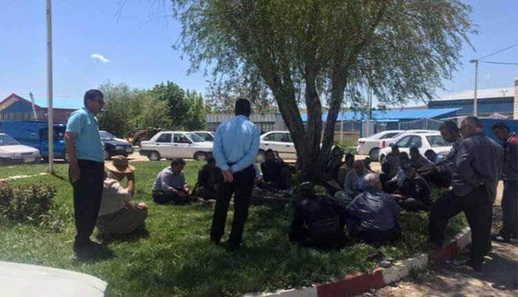 تجمع مجدد کشاورزان در کارخانه قند نقدە در اعتراض به پرداخت نشدن مطالبات