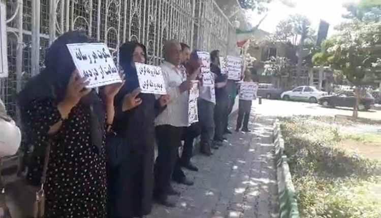 مالباختگان بدر توس مقابل استانداری رژیم در مشهد تجمع اعتراضی برگزار کردند