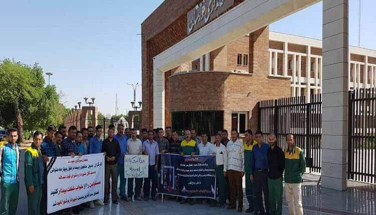 کارگران فضای سبز شهرداری کوت عبدالله در مقابل استانداری خوزستان تجمع کردند