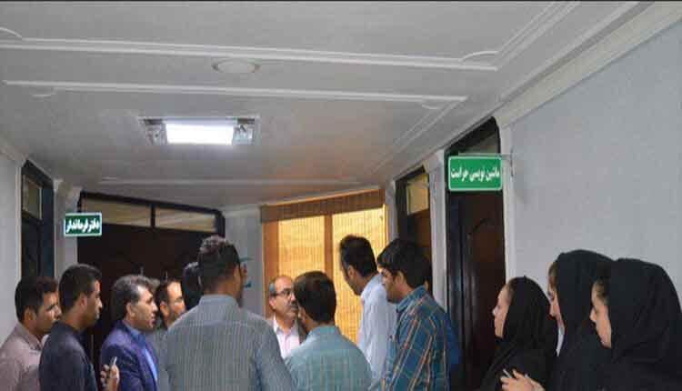 تجمع اعتراضی کارکنان دانشکده نفت و گاز گچساران در اعتراض به یک ماه مرخصی اجباری