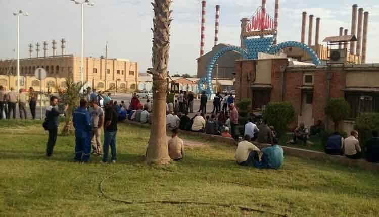 تجمع اعتراضی کارگران واحد تعمیرات پالایشگاه نفت آبادان