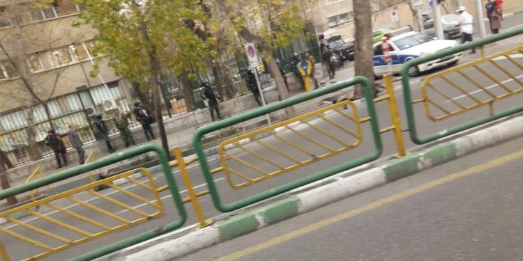 محاصره دانشگاه تهران