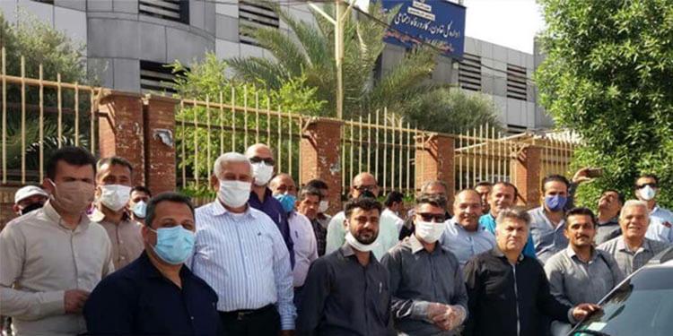 تجمع کارکنان مخابرات روستایی خوزستان در اعتراض به وضعیت نامناسب شغلی