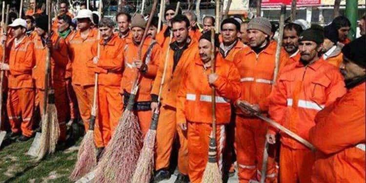 تجمع اعتراضی کارگران شهرداری منجیل