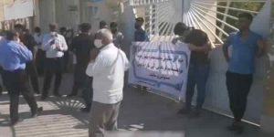 بستن درب فرمانداری بهبهان توسط اهالی روستای محمد آقاجری