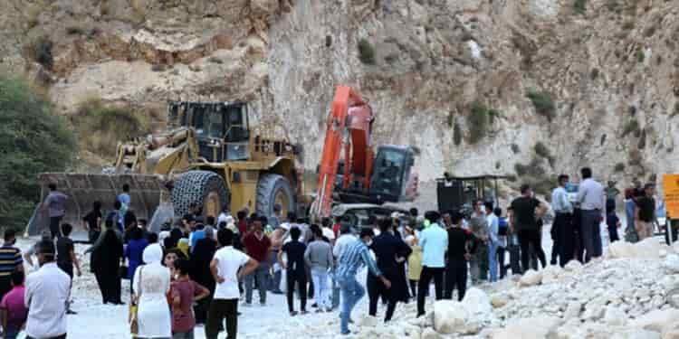 تجمع اعتراضی شهروندان دشتی و تنگستان بوشهر