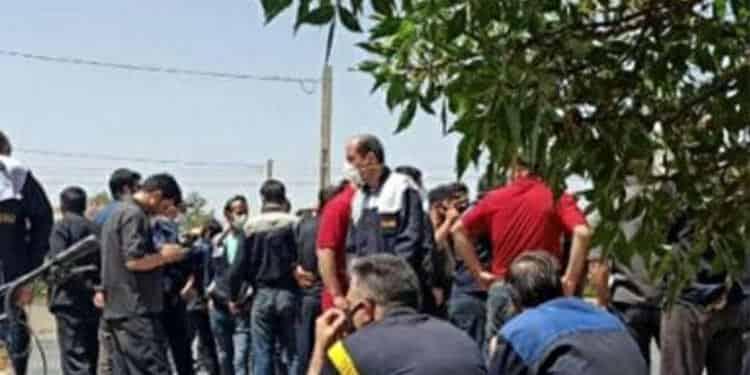 تجمع اعتراضی کارگران هپکو درداخل محوطه شرکت