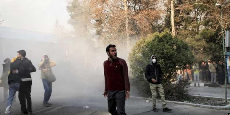 انگلیس و فرانسه و آلمان سفرای حکومت ایران را به خاطر نقض حقوق زندانیان احضار کردند