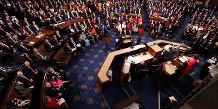 نامه ۵۶نماینده کنگره آمریکا برای تحریم تمام بخشهای مالی حکومت ایران