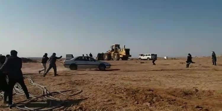 فیلم درگیری مردم کردآباد یزد با عوامل انتظامی و معدن